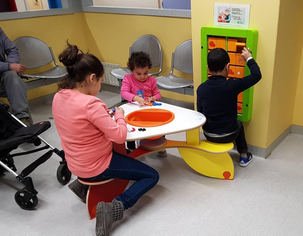 Spielecke Wartebereich und Praxis – Spielzeug und Kindermöbel