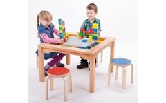 LEGO DUPLO Tisch mit Holzhockern