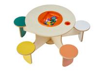 Kinder Spieltisch mit 5 Stühlen