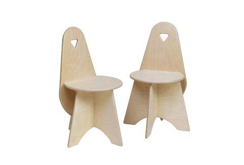 Kinderstühle aus Holz