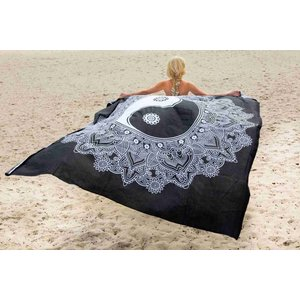 Call it Fouta! Strandlaken Gypsy Square Ying Yang black