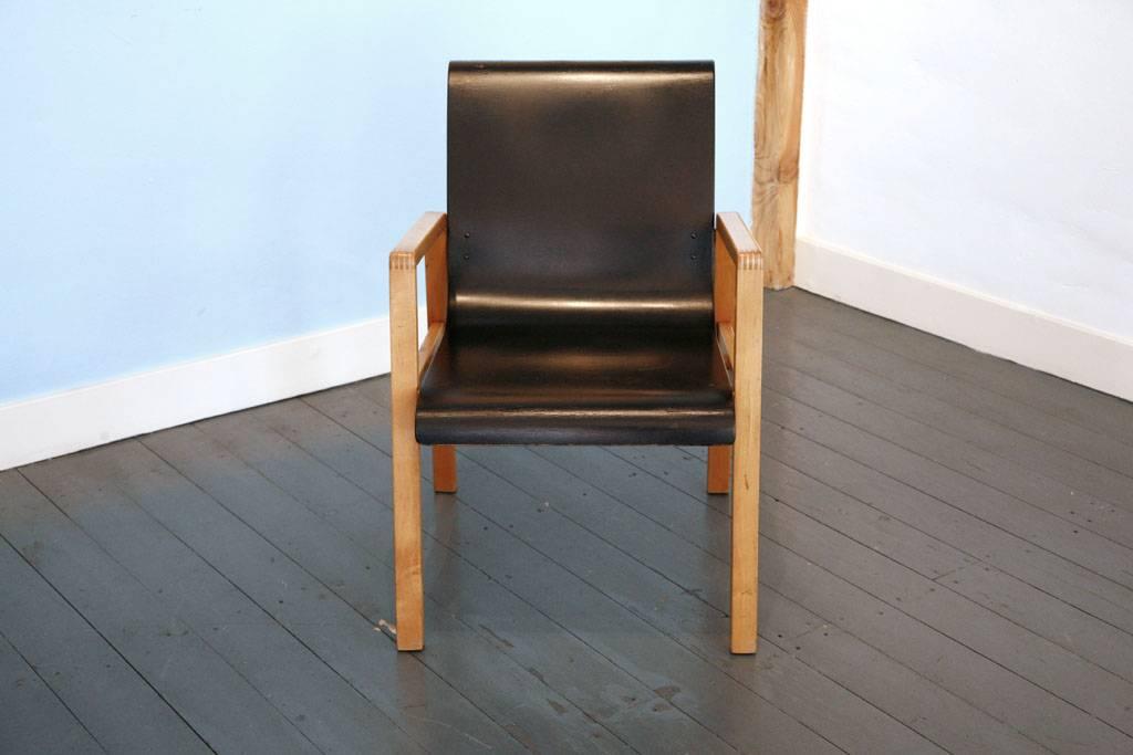 Hallway Chair by Alvar Aalto