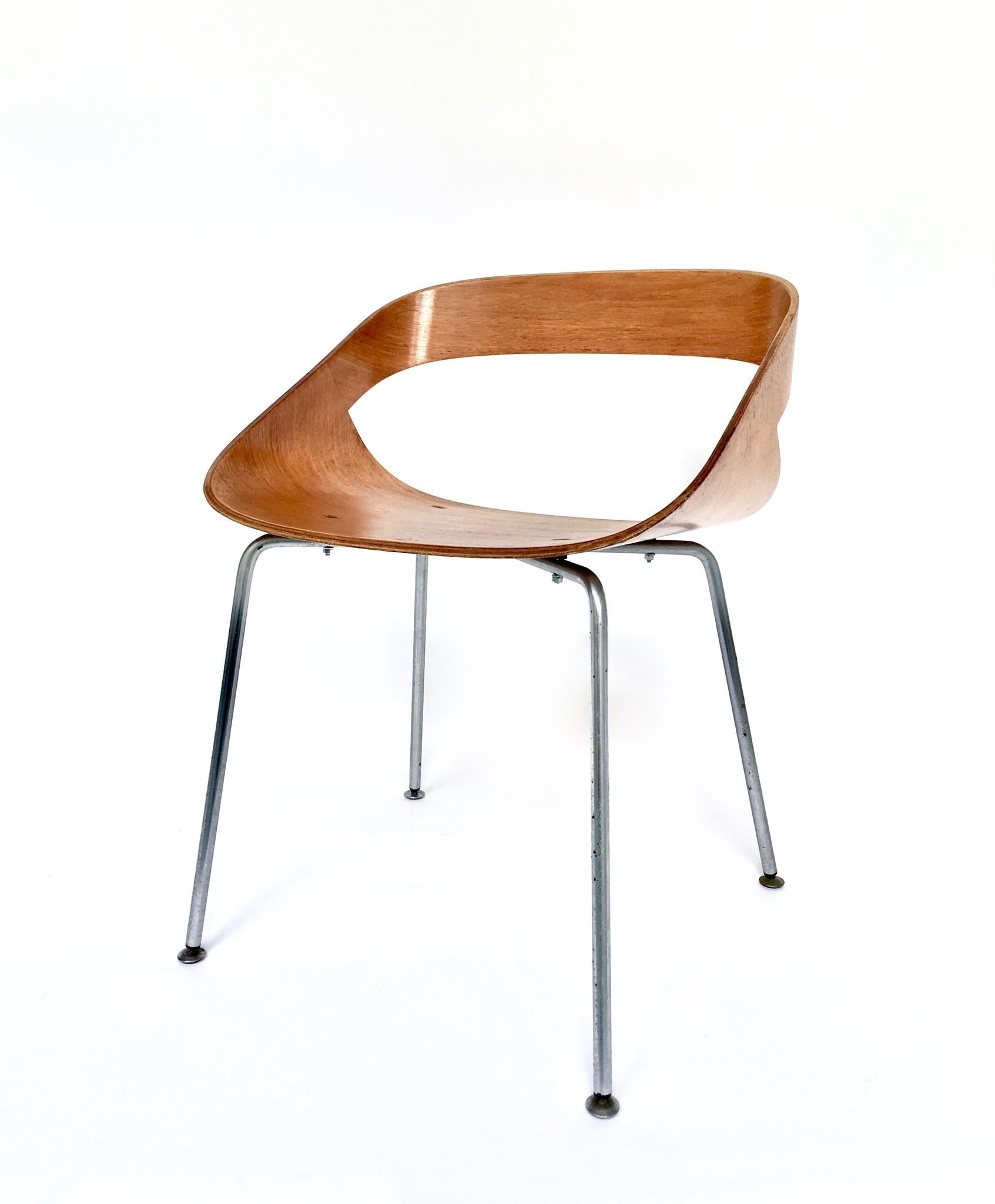 Geoffrey D. Harcourt chair (set of 4)