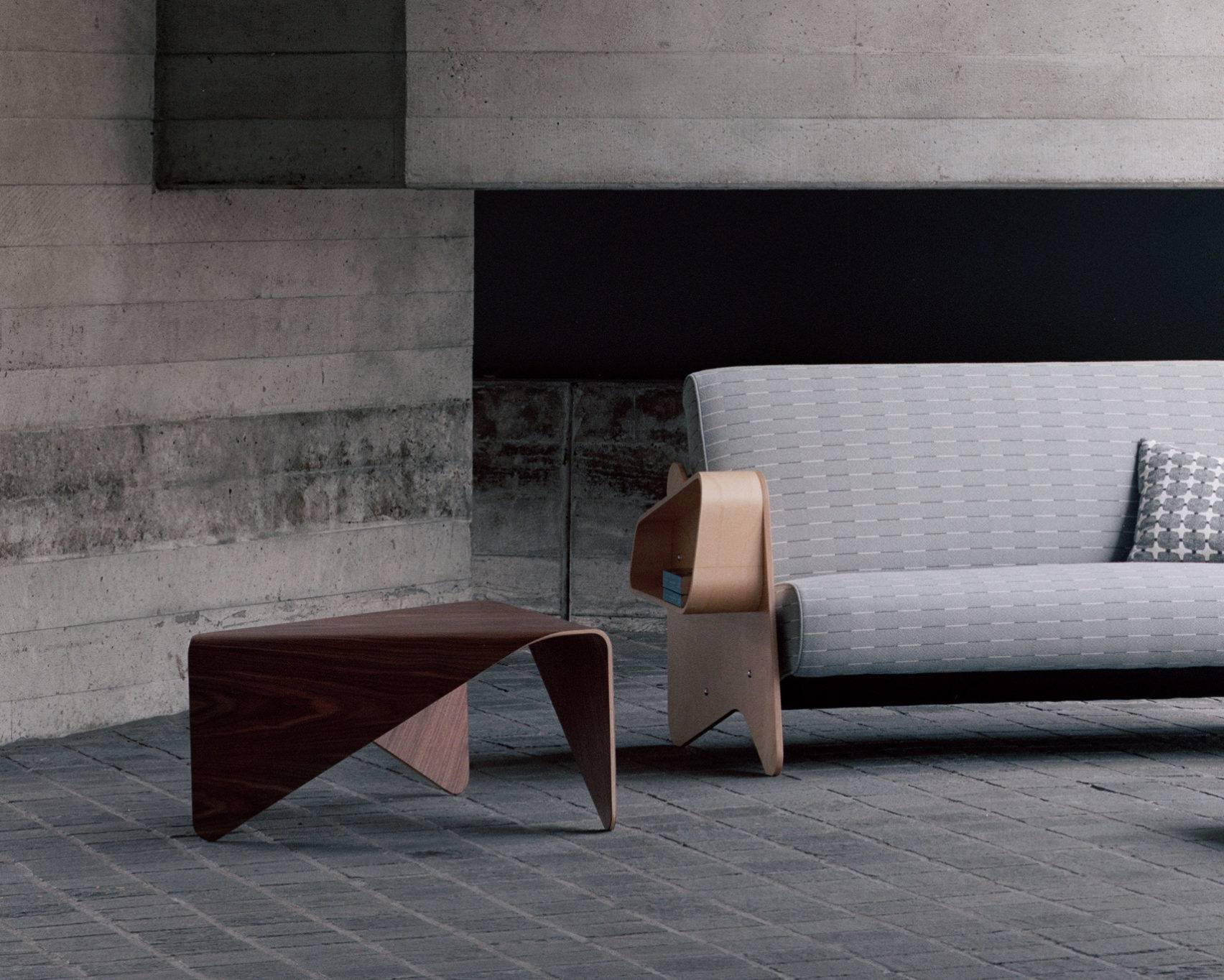 T46 COFFEE TABLE designed by Hein Stolle