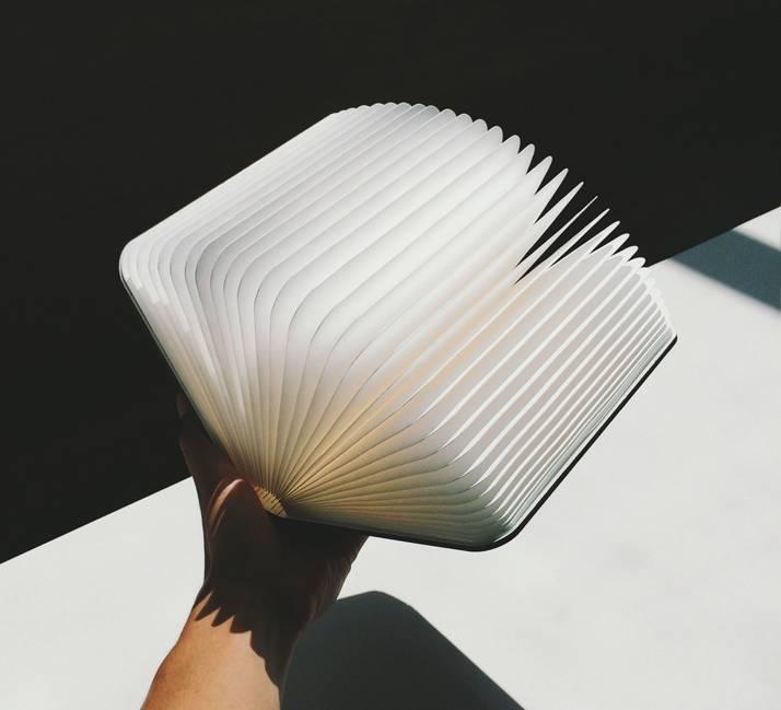 LUMIO BOOK LAMP | BLONDE MAPLE