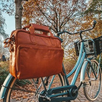 The Chesterfield Brand prachtige lederen laptoptas met fietsdrager bevestiging