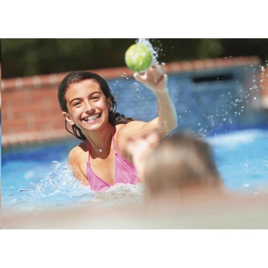 Intex bal voor in het water-2