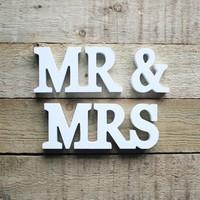 thumb-Mr en Mrs houten letters-2