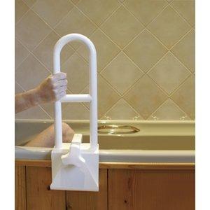 Een beugel met twee handgrepen voor de badrand. Geeft extra veiligheid bij zitten en staan. De klem kan versteld worden van 7,5 tot 18 cm. Totale hoogte 45,5 cm. Hoogte boven de badrand 37,5 cm.