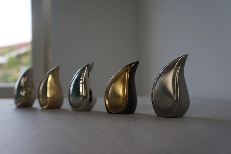 Teardrop urn mini zilver - messing