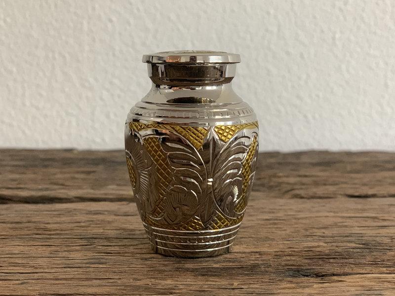 Mini urn zilver en goud - messing
