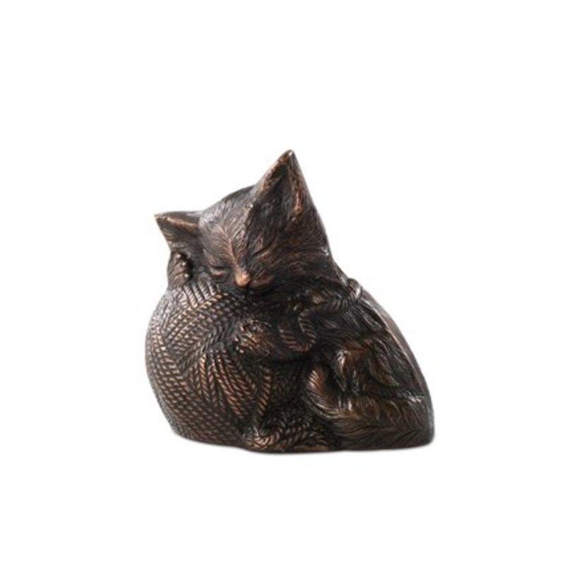 Katten urn kat met bolletje wol - messing