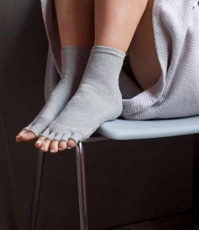 BONNIE DOON Yoga Toe Socks grijze sokken