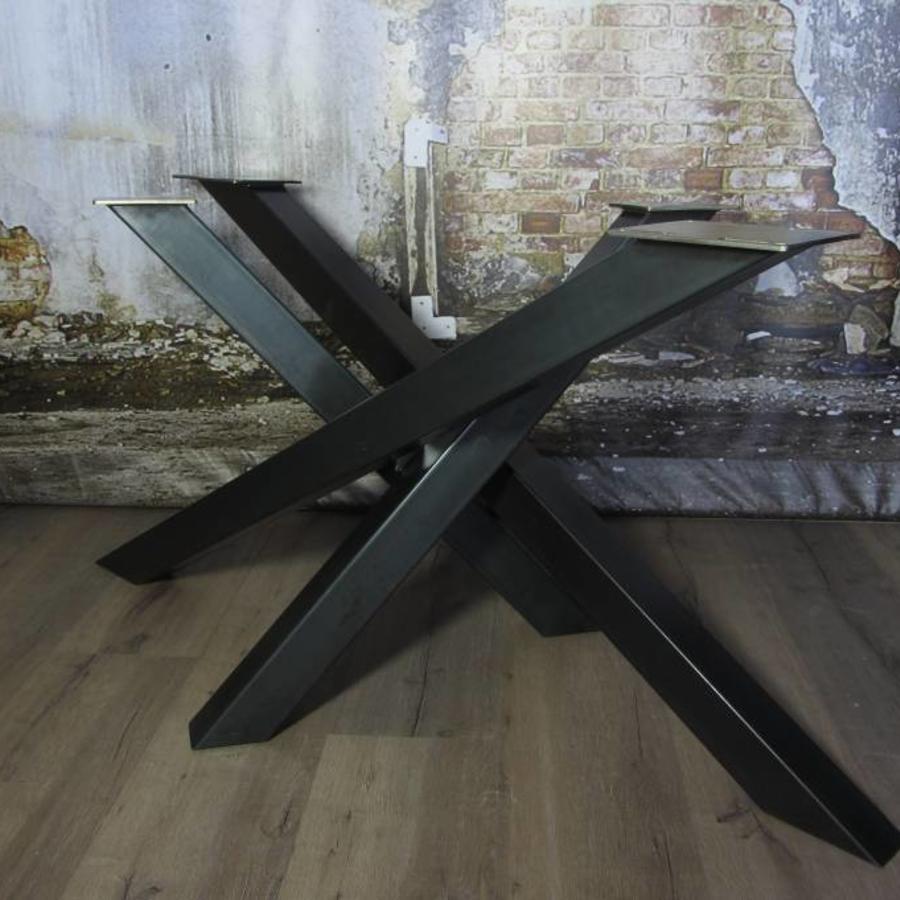 Handgemaakt industrieel tafelonderstel Twist 8x8 tafelpoot