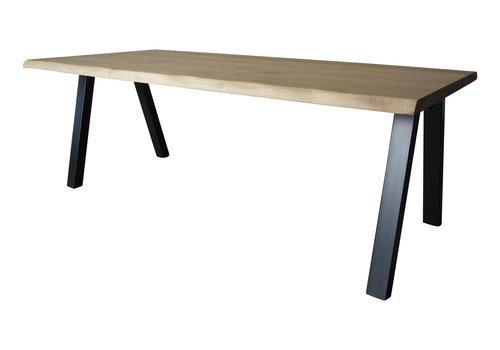 Industriële tafel met M tafelpoot