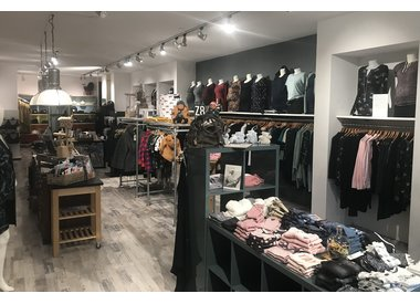 """Z.E.I. Lifestyle """"de zwangerschapskleding winkel in Heerenveen"""""""