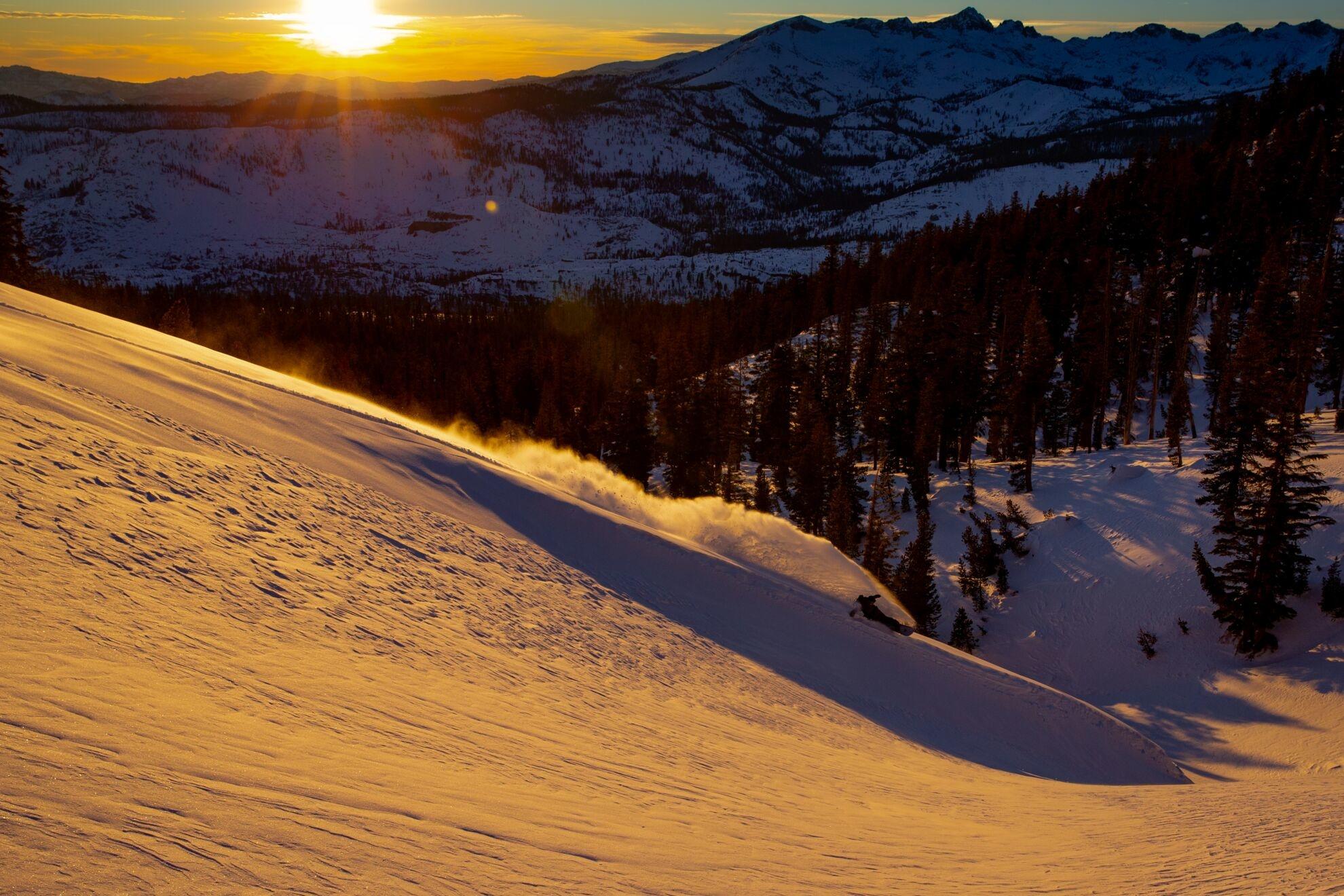 Jones Snowboards Stratos 2021