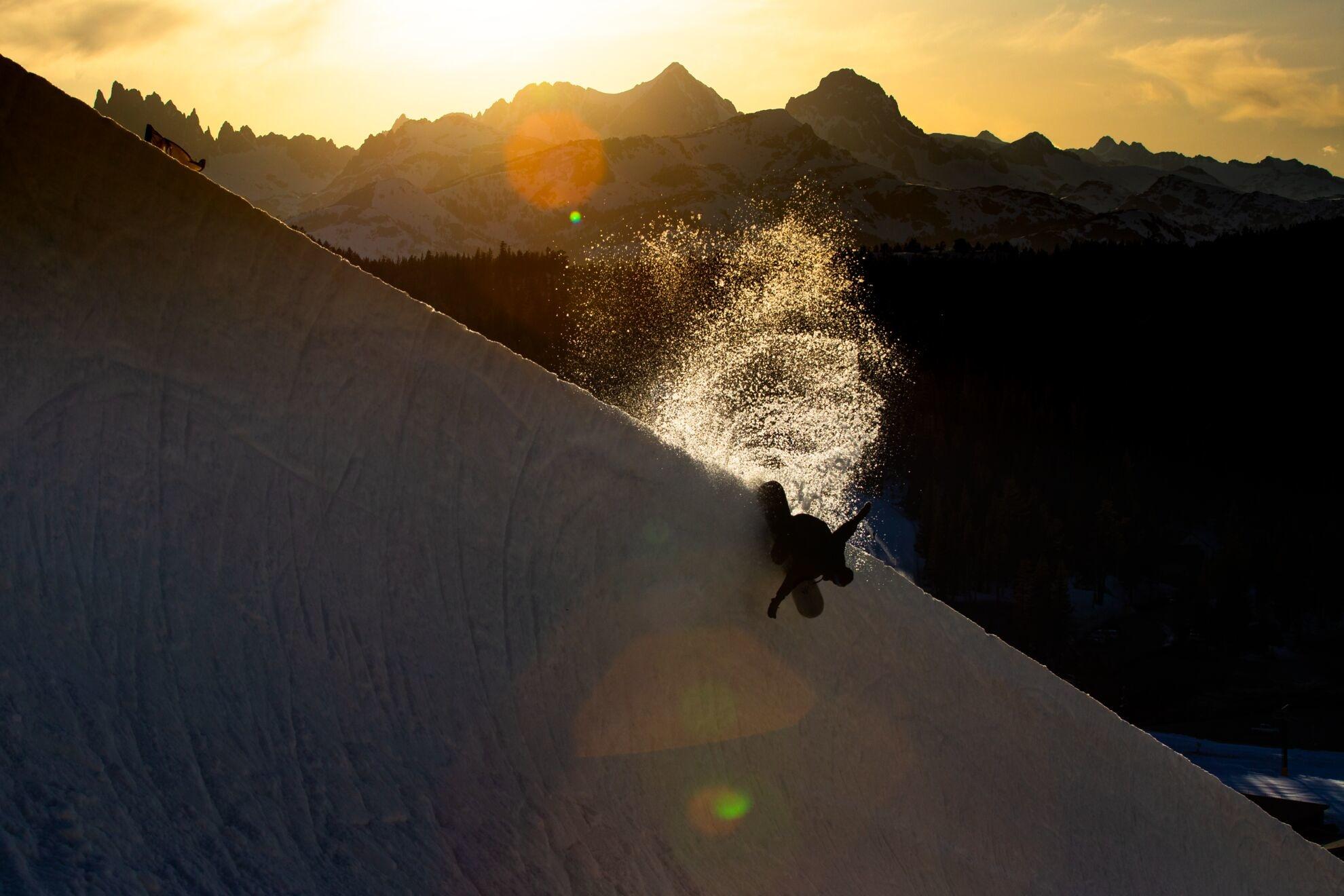 Jones Snowboards Aviator action