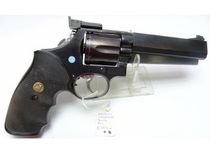 Smith & Wesson Revolver Smith & Wesson met Matchloop .