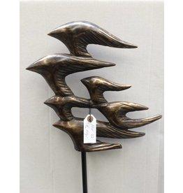 Eliassen Garden plug Bird flight abstract