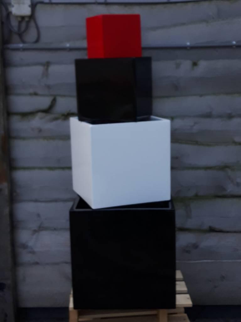 Eliassen Bloembak vierkant Karz 30x30x30 cm  Hoogglans in 3 kleuren