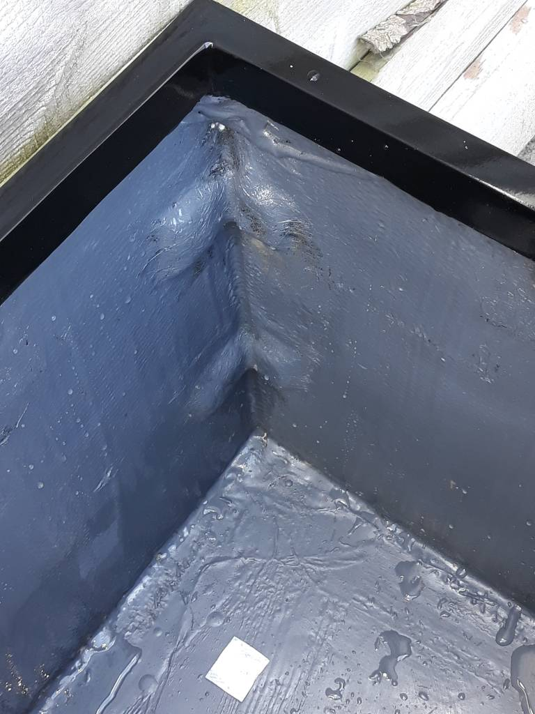 Eliassen Bloembak vierkant Karz 40x40x40cm  Hoogglans in 3 kleuren