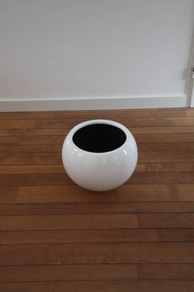 Eliassen Bol pot rond Codi  hoogglans in wit of zwart 59cm