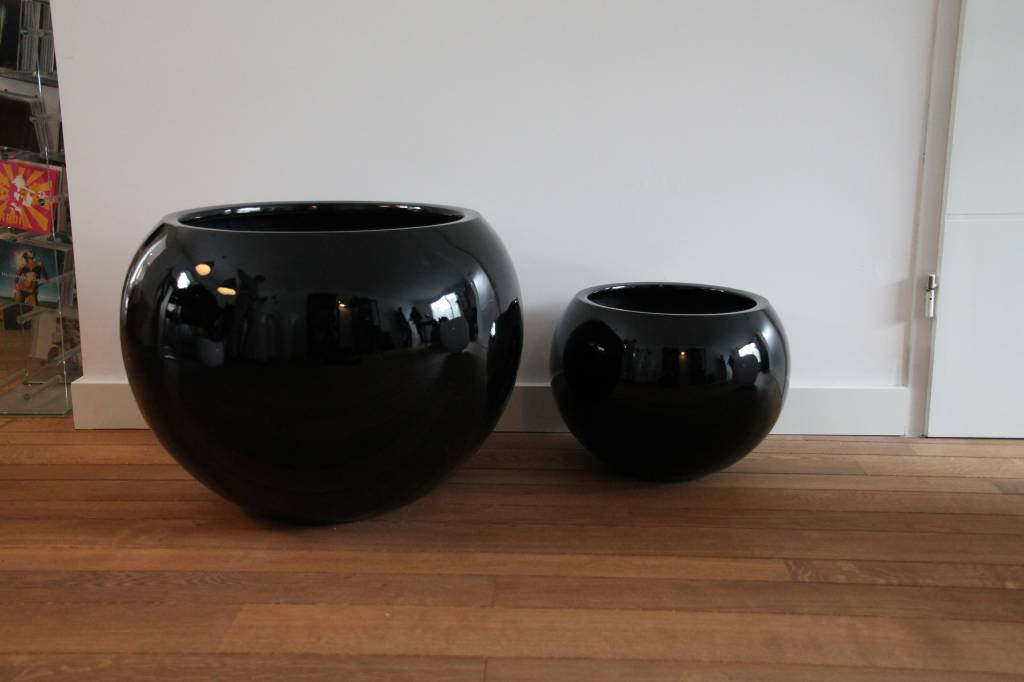Eliassen Bol pot rond Codi  hoogglans in wit of zwart 40cm
