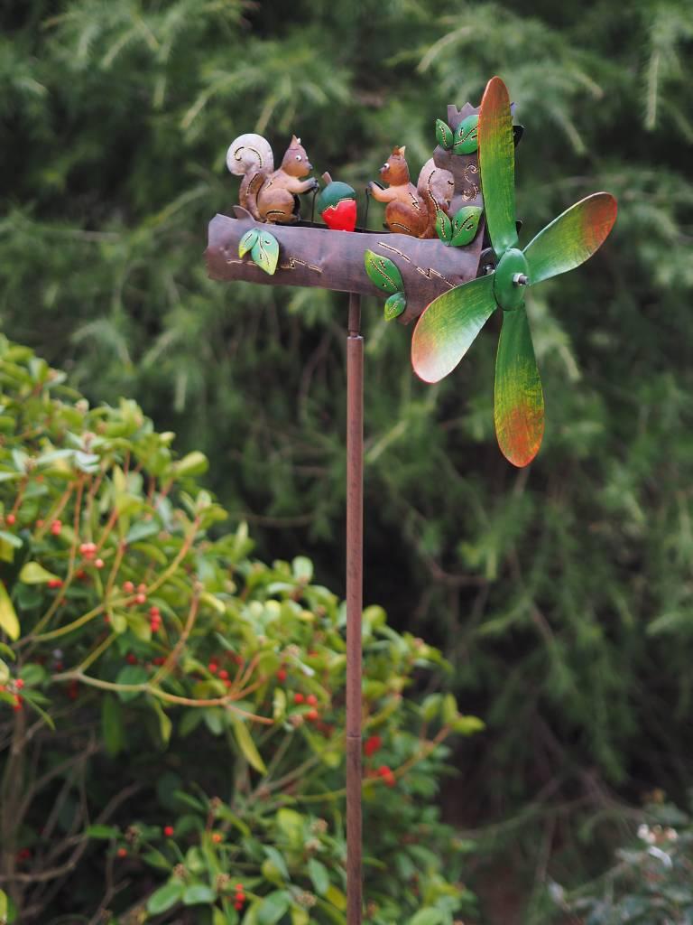 Eliassen Windmühle Eichhörnchen