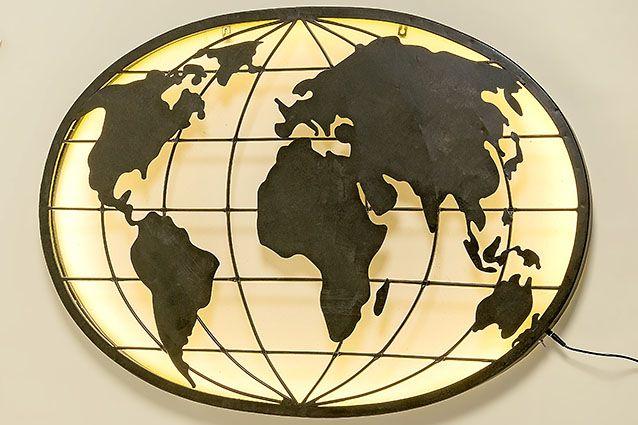 Eliassen Wanddekoration Globus mit LED-Beleuchtung