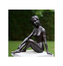 Bronzen beeld Zittend naakt