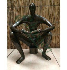 Bronze lesender Mann XL