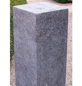 Eliassen Pedestal of freestone burned 25x25x45cm