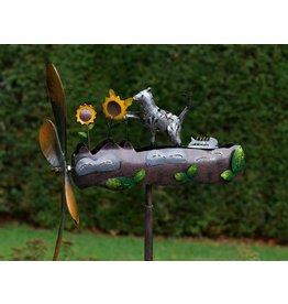 Eliassen Windmühle Katze mit Blumen