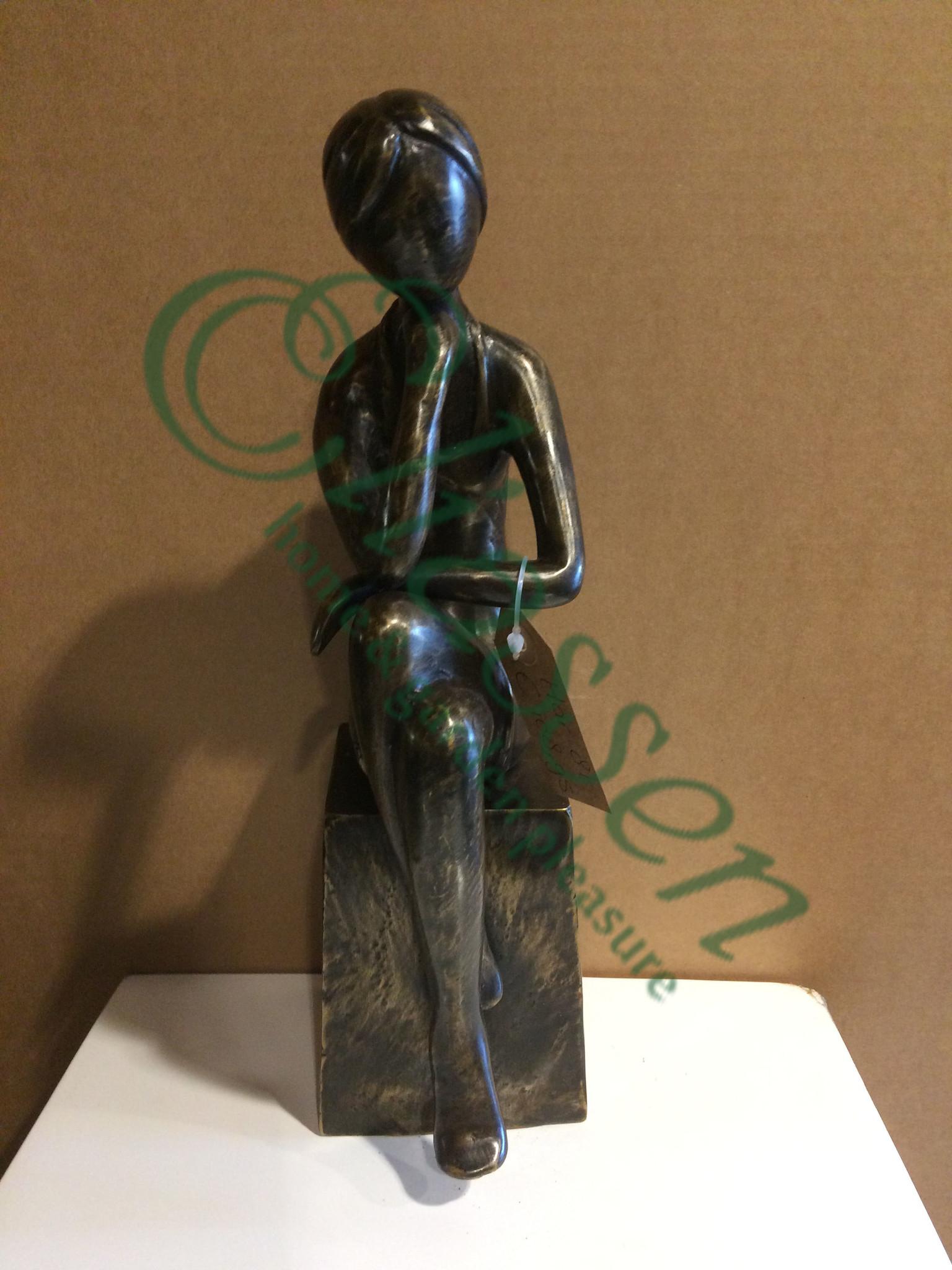 Bronze sculpture girl 2