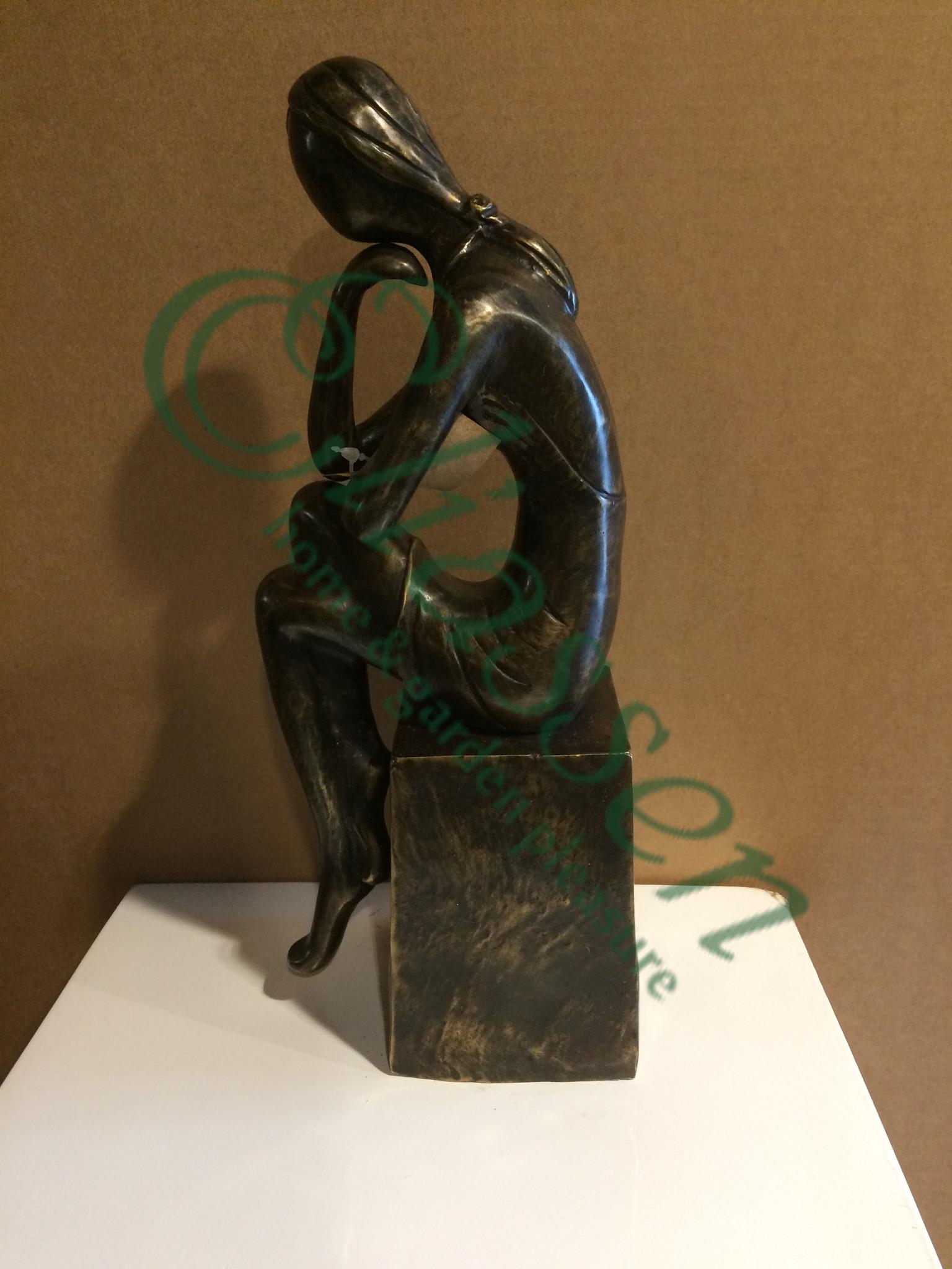 Bronzen beeld meisje 2
