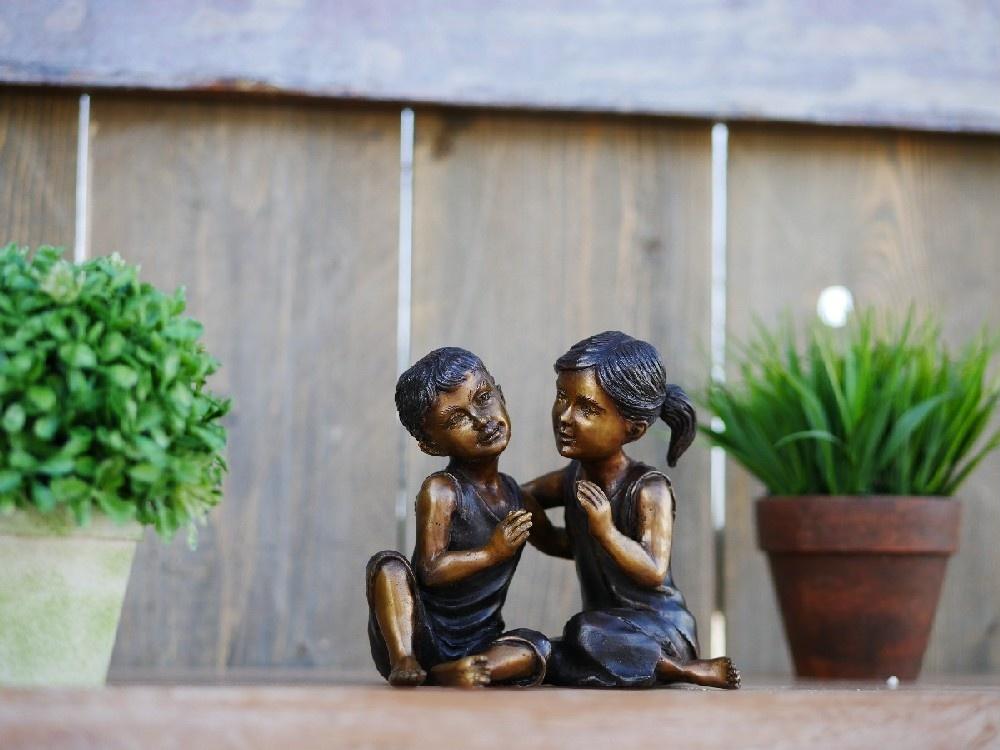 Eliassen Bronze children's couple image