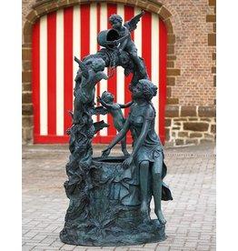 Eliassen Fontein brons met 3 engeltjes