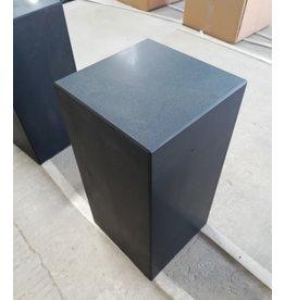 Eliassen Basis schwarzer Granit matt 20x20x90cm