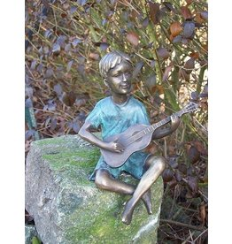 Eliassen Image bronze boy with guitar