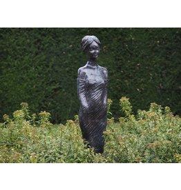 Bronzefrau modern
