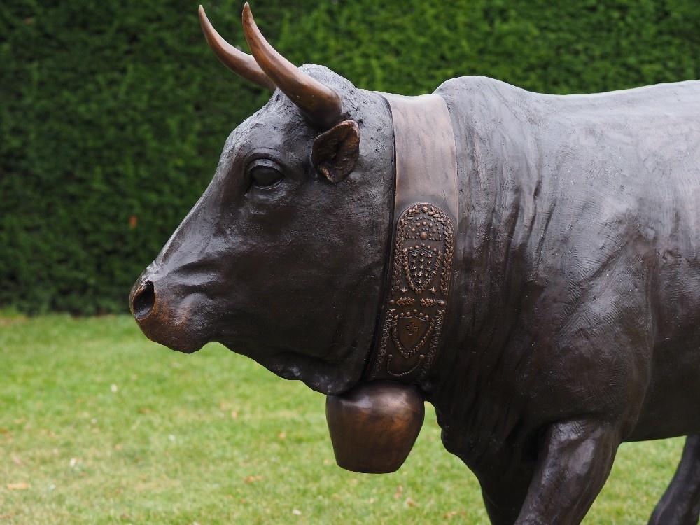 Bronze vache d'herens