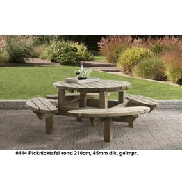 Talen Staphorst Picnic table around