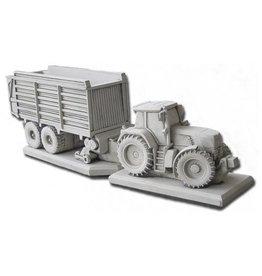 Eliassen Garden statue Fendt tractor with loading wagon