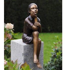 Eliassen Bronze sculpture Thinking girl