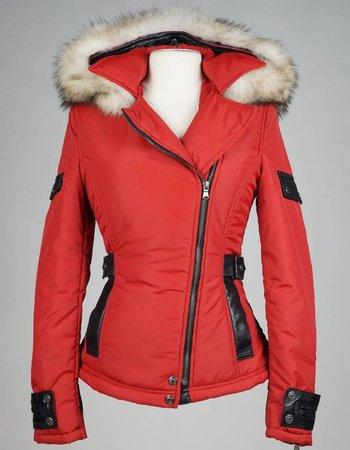 Carlo Sacchi Dames winterjas met Bontkraag Jennifer rood.