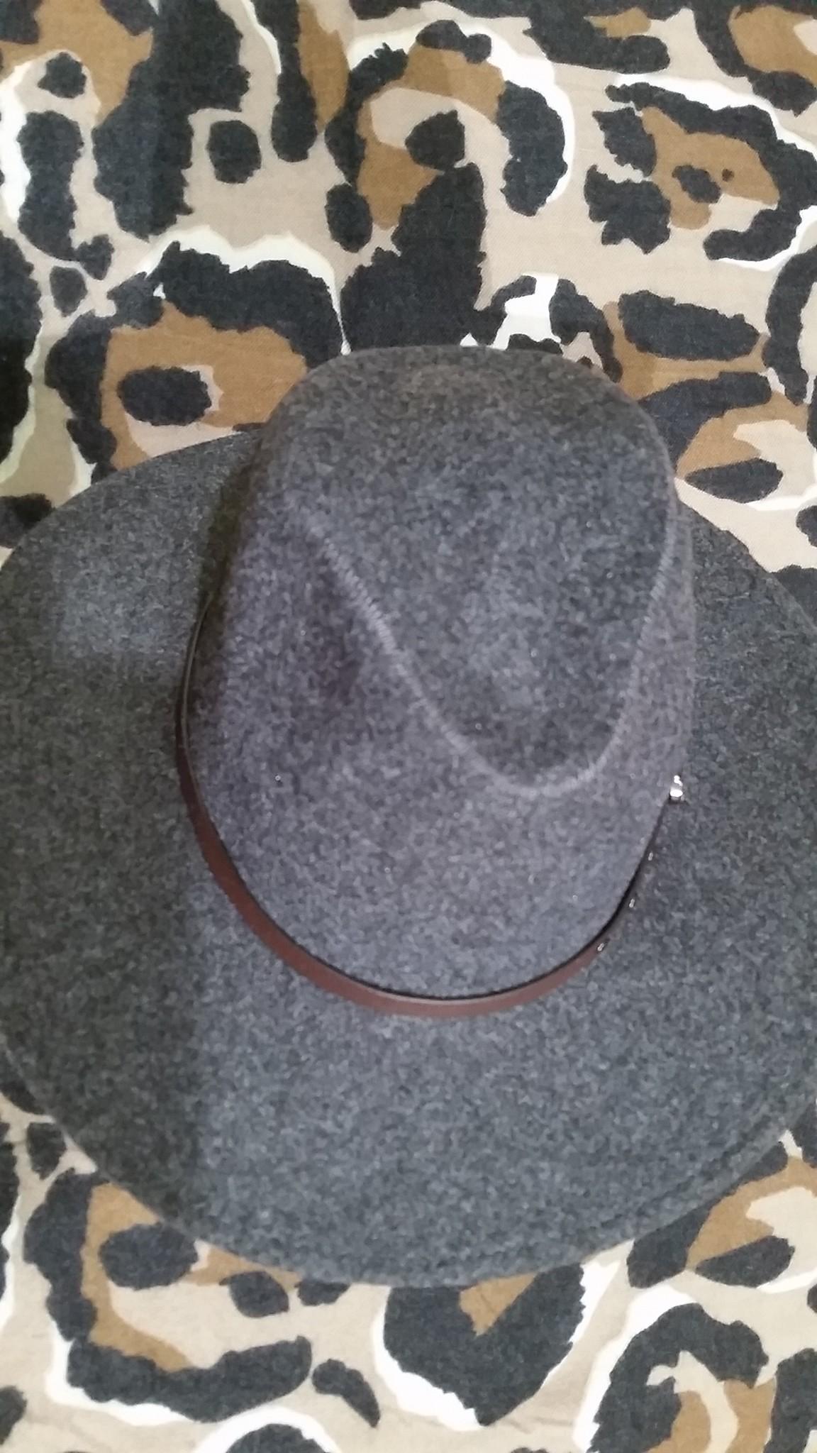 Dames en heren hoed grijs