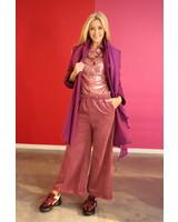 mantel in paarse kleur