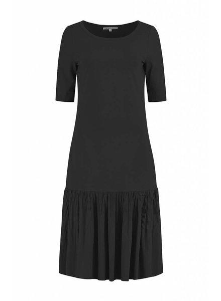 SYLVER Plissé Dress - Donkergrijs