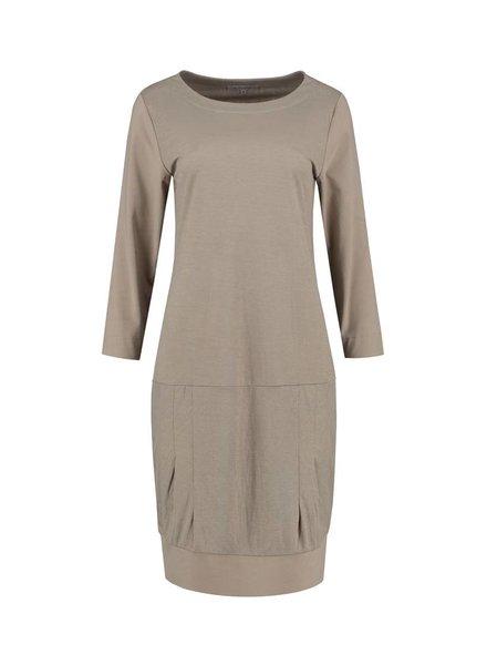 SYLVER Stretch Crêpe Dress - Zand